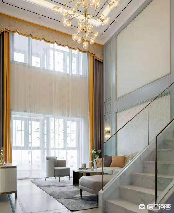 简欧气概空中浅灰,墙面暖色如何配窗帘?